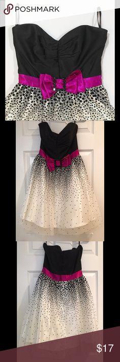 Jessica McClintock for Gunne Sax Dress Jessica McClintock for Gunne Sax semi-formal strapless dress. Worn once. Jessica McClintock Dresses Prom