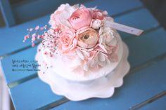 Flower Cake by flower director. Seojin