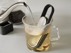 LOOP tea strainer by TENT for KINTO