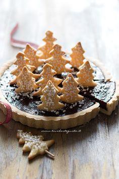 #christamasfood #christmas Fetta di Crostata di Natale (Cioccolato e Cannella)  - Ricetta Crostata di Natale