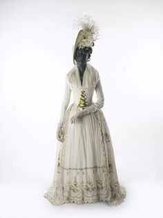 Tambour-embroidered Indian muslin dress and petticoat, 1790.