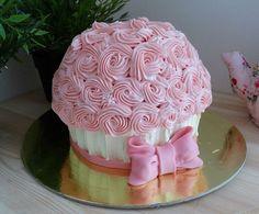 Сегодня сделали такой чудный торт-кексик. Для именинницы, которой исполняется один годик. И в свой день рождения она сможет не только попробовать этот чудо тортик, но еще и в сласть побаловаться, разломав его на своей фотосессии!! Это будут просто обалденные фотки!!! #капкейк #торткапкейк #крушениеторта #тортнафотосессию #тортскремом #тортпитер #тортназаказспб #ториназаказпитер #питер #спб #назаказ #заказатьтортспб #заказтортапитер #шоколаднаякрошка #chocolatecrumb