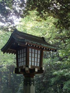 Japanese wooden lantern by irishtravel, via Flickr