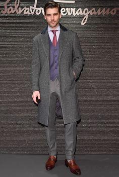 The Best Dressed Men Of The Week: Johannes Huebl at the Salvatore Ferragamo Fashion Show, Milan. Mens Fashion Casual Shoes, Mens Fashion Sweaters, Men Fashion Show, Men's Fashion, Fashion Suits, Mens Attire, Mens Suits, Estilo Dandy, Johannes Huebl