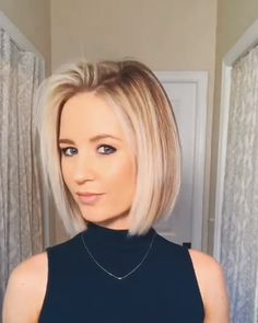 Short Bob Hairstyles Ideas in 2019 - Bob Haircuts Dark Bob with Copper and Golden Blonde Highlights Balayage hair color really pops when you opt for warm-toned copper and gold highlights. These shades bring richness to the curly brown bob. Latest Short Hairstyles, Hairstyles For Round Faces, Layered Hairstyles, Cute Bob Hairstyles, Short Hairstyles For Thin Hair, Hairstyles 2016, Haircuts For Thin Fine Hair, Short Blonde Haircuts, Round Face Haircuts