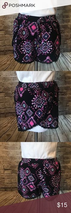 Flowy Summer Shorts Summer Aztec flowy Shorts, Size Small Good condition 100% rayon Wet Seal Shorts