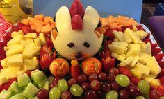 melon-easter-bunny-carving-Ernestina