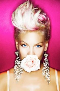Learn how to achieve Pink's hair pomp!- perfect for my short hair!