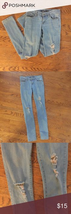 Pacsun Bullhead jeans! These bullhead skinny jeans are in very good condition. They are a light-medium wash and are from Pacsun! 🌞 enjoy! Bullhead Jeans Skinny