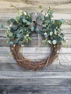 """26 """"Eucalyptus Wreath with a touch of little white flowers W .- Eucalyptus Wreath with a touch of little white flowers Wreath for All Year Round – Everyday Burlap Wreath, Door Wreath, Wedding Wreath 26 inch eucalyptus wreath with hints of little white Grapevine Wreath, Burlap Wreath, Willow Wreath, Art Floral Noel, Christmas Diy, Christmas Decorations, Christmas Wreaths For Front Door, Spring Door Wreaths, Christmas Reath"""