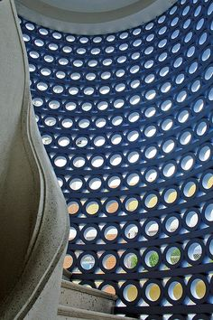 cobogó . azul . escada  Edifício Cinderela - São Paulo by João Artacho Jurado
