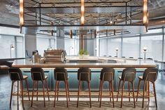 #ИнтерьерныйПортрет_Gb #InteriorPortrait_Gb  #Интерьер_Gb #Interior_Gb   Буфет и кофейня для сотрудников и гостей Dropbox, 25 000 м².  Расположение: Сан-Франциско, США.  Дизайн: AvroKO.   #Gboda #GbodaDesign #дизайн #design #интерьер #interior #студия #studio #AvroKO #стиль #style #TuckShop #CoffeeShop #буфет #кофейня #СанФранциско #SanFrancisco #США #USA
