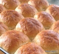 Simone's Soft Bread Rolls - Really light, fluffy and oh so soft! Lovefoodies