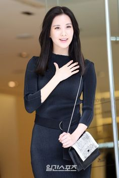 SNSD SeoHyun goes all black for Calvin Klein's Event