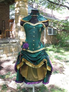 Steampunk Poison Ivy Costume - Burlesque / Circus Corset custom made.  Wow!