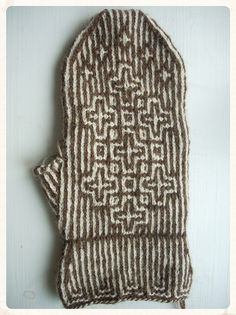 Ravelry: Asplund's Brown and white twined mittens