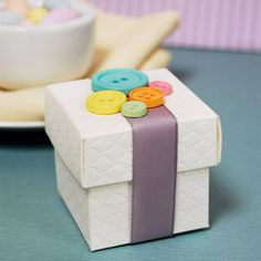 Button Favor Boxes - Ideas by Beau-coup