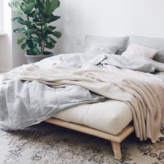 SENZA SÄNKYRUNKO Home Bedroom, Master Bedroom, Sofas, Guest Bed, Spare Room, Danish Design, Design Firms, Mattress, New Homes