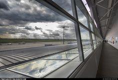 Nowy taras widokowy na Lotnisku Chopina. Fot. Grzegorz Różycki