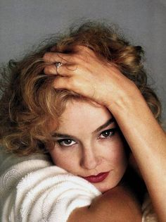 Jessica Lange is an American actress born on April in Cloquet, Minnesota. Working as a model, she was chosen to star in the mega h. King Kong, Jessica Lange Young, Pretty People, Beautiful People, Divas, Portraits, Julia Roberts, Meryl Streep, Famous Women