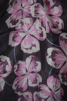 NICOLA HAIGH Textile artist and watercolor specialist. - Contemporary silk batik scarves