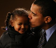 Born in Hawaii, USA, to a Caucasian Christian Mother, Mr Barack Obama with his cute younger daughter, Sasha Obama.  So Sweet.