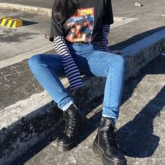grunge style women's clothing. You are in the right place for grunge maquillaje Here we offer you the most beautiful pictures with the … - myeasyidea sites Grunge Fashion, Look Fashion, 90s Fashion, Korean Fashion, Fashion Outfits, Feminine Fashion, Fashion Clothes, Fashion 2018, Fashion Women