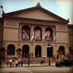 For those more interested in Art and the beauty of colors. Rub the lions noses they bring good luck. Places Ive Been, Places To Go, Chicago Attractions, Chicago City, Art Institute Of Chicago, Lions, Lincoln, Lighthouse, Illinois