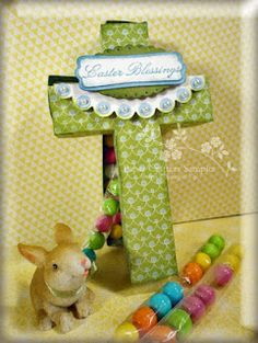 Paper cross treat container!