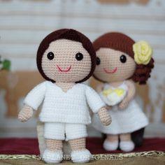 The boy's charming; the girl's gorgeous. #weddingdolls #wedding #saplanetoriginals #crochet #handmade #amigurumi #decoration #gifts #beachwedding