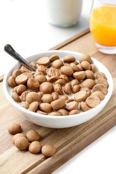 Best Vegan Cinnamon Cereals Best Vegan Cinnamon Cereals (Make your OWN cereal! Add/change spices to personalize)Best Vegan Cinnamon Cereals (Make your OWN cereal! Add/change spices to personalize) Gourmet Recipes, Vegan Recipes, Dessert Recipes, Brunch Recipes, Cereal Recipes, Cinnamon Cereal, Homemade Cereal, Healthy Cereal, Keto Cereal