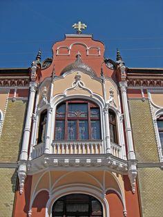 Palatul Episcopiei Ortodoxe oradea Mansions, Architecture, House Styles, City, Beautiful, Arquitetura, Manor Houses, Villas, Mansion