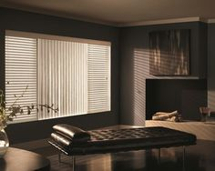 A pattern of horizontal and vertical blinds