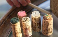 Timbrini da riciclo creativo tappi di sughero e bottoni