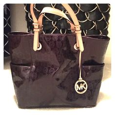 ⚡️FIRM⚡️Michael Kors tote purse Gently used. Great condition Michael Kors Bags Shoulder Bags