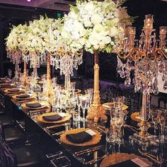 King Table Love ❤️ @houseofdoltone @doltonehouse #dressesafterdark #bridetobe #bridezilla #weddingday #wedding #weddings #bride #bride2be #bridalblogger #allthingsbridal #gettingmarried #bridal #style #fashion #events #weddingplanner #love #veil #bridalmakeup #dubai #follow #wbyt #weddingsbyyourstruly #weddings #sydney #wedding  #weddingdress #dreamwedding4u #inspiremeweddings #bridebusiness #weddingday #eventsu