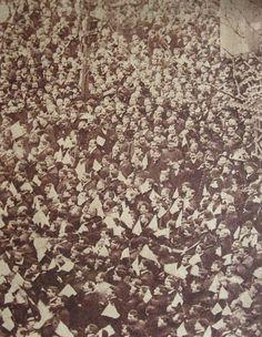 29 de mayo de 1910. La manifestación concluye en Plaza de Mayo donde la multitud escucha el mensaje del Presidente Figueroa Alcorta.