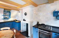 keuken bel-etage, 2eWD68 | restauratie wevershuisjes | architectenbureau Vroom (foto © Roos Aldershoff)
