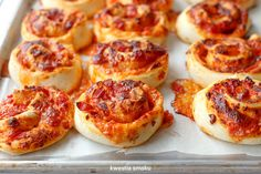 Zwijane bułeczki pizzowe