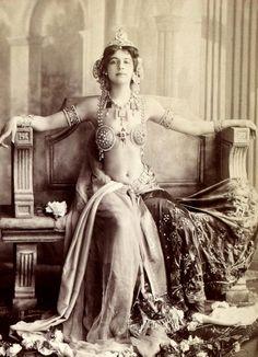 Mata Hari, actress, exotic dancer, courtesan and spy, Paris, 1910′s