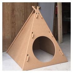 New Cats Diy Ideas Furniture Design Ideas Cubby Houses, Dog Houses, Cat House Diy, Pet Furniture, Furniture Design, Furniture Ideas, Cat Room, Cardboard Crafts, Pet Home