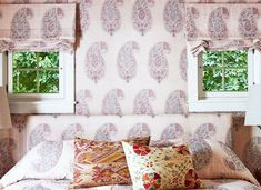 35 best window treatment ideas modern faux city views on fabric window shades 35 best diy window treatment ideas and patio door curtains and blinds ideas window curtain ideas living room Modern Windows, Best Windows, Ideas Vintage, Vintage Design, Over The Top, Cozy Bedroom, Home Decor Bedroom, Bedroom Furniture, Scandinavian Bedroom
