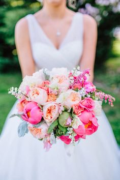 Photography: Rachel May Photography | Flowers: Petals and Hedges | via Southern Weddings & Belle the Magazine
