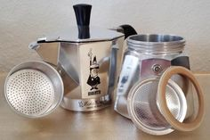 Moka, Ideas Para Organizar, Stove, Espresso, Coffee Maker, Kitchen Appliances, Cleaning, How To Make, Diy