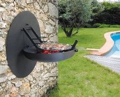 : Easy to mount on any wall, the Sigma Focus Barbecue features a wall plate that protects the wall from smoke. While at a fixed height on the wall, the barbecue offers a range of cooking heights. Design Barbecue, Parrilla Exterior, Ski Chalet, Outdoor Living, Outdoor Decor, Outdoor Areas, Bbq Grill, Barbecue Area, Barbecue Sauce