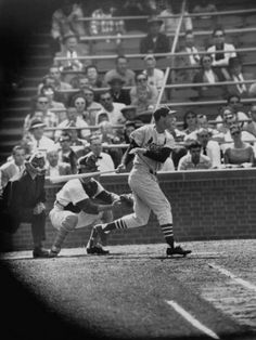 Stan Musial gets his 3000th hit on May 13, 1958 at Wrigley field.