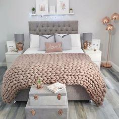 its-my-living: Bedroom Inspiration Bedroom Decor For Teen Girls, Cute Bedroom Ideas, Girl Bedroom Designs, Teen Room Decor, Room Ideas Bedroom, Home Decor Bedroom, Small Room Bedroom, Bedroom Inspiration, Teen Bedrooms
