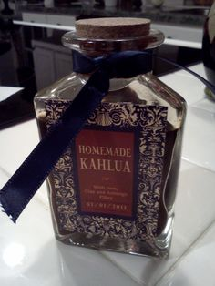 sweet wedding favors... since i know someone with a homemade kahlua recipe :)