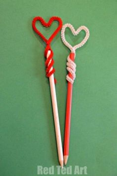Would make cute gifts with fun pencils and a notepad. Diy heart pencil toppers