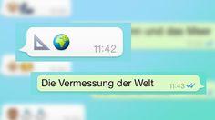 """Montage: In einem Smartphone steht """"Die Vermessung der Welt""""."""